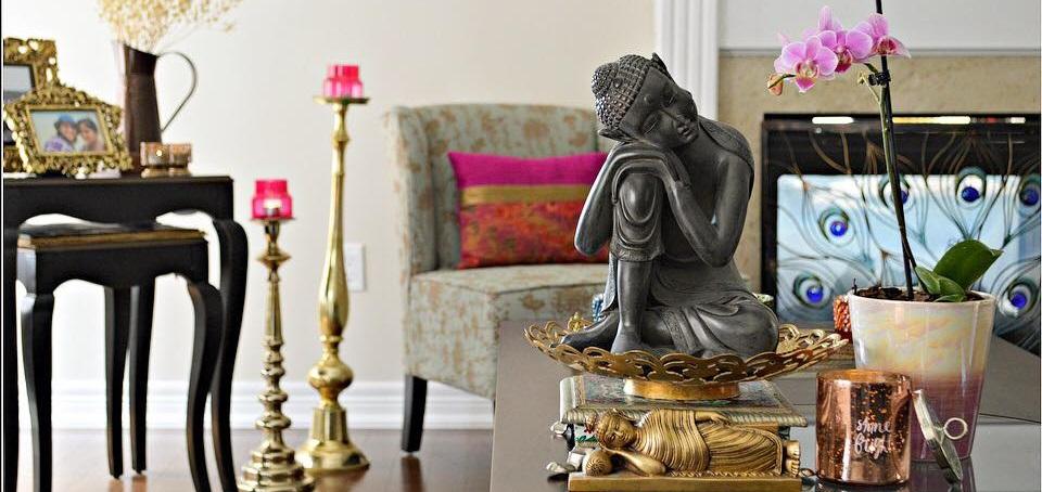 Statue de Bouddha tête à genoux