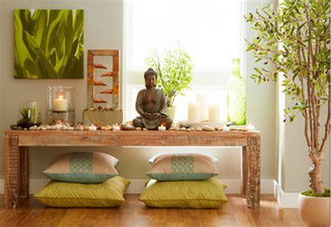 Bouddha dans la pièce de méditation